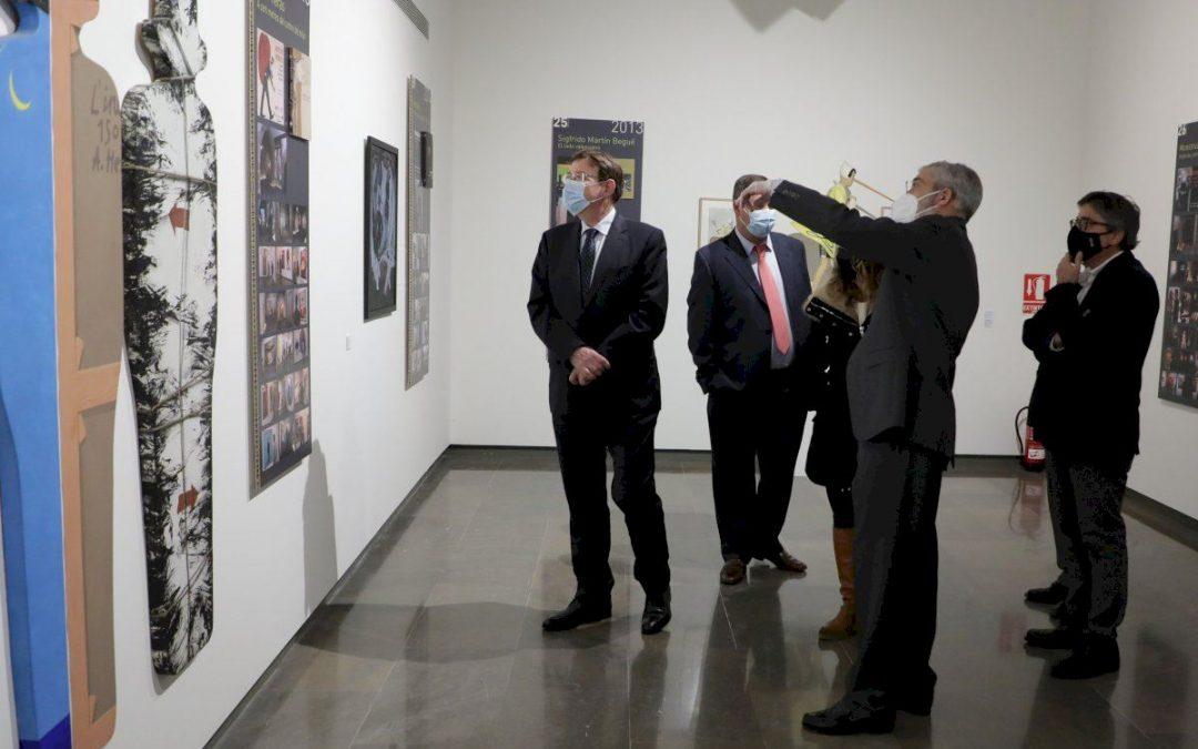 'Ximo Puig ha visitado la exposición que conmemora el XV aniversario de la Fundación Chirivella Soriano'. EL PERIODIC